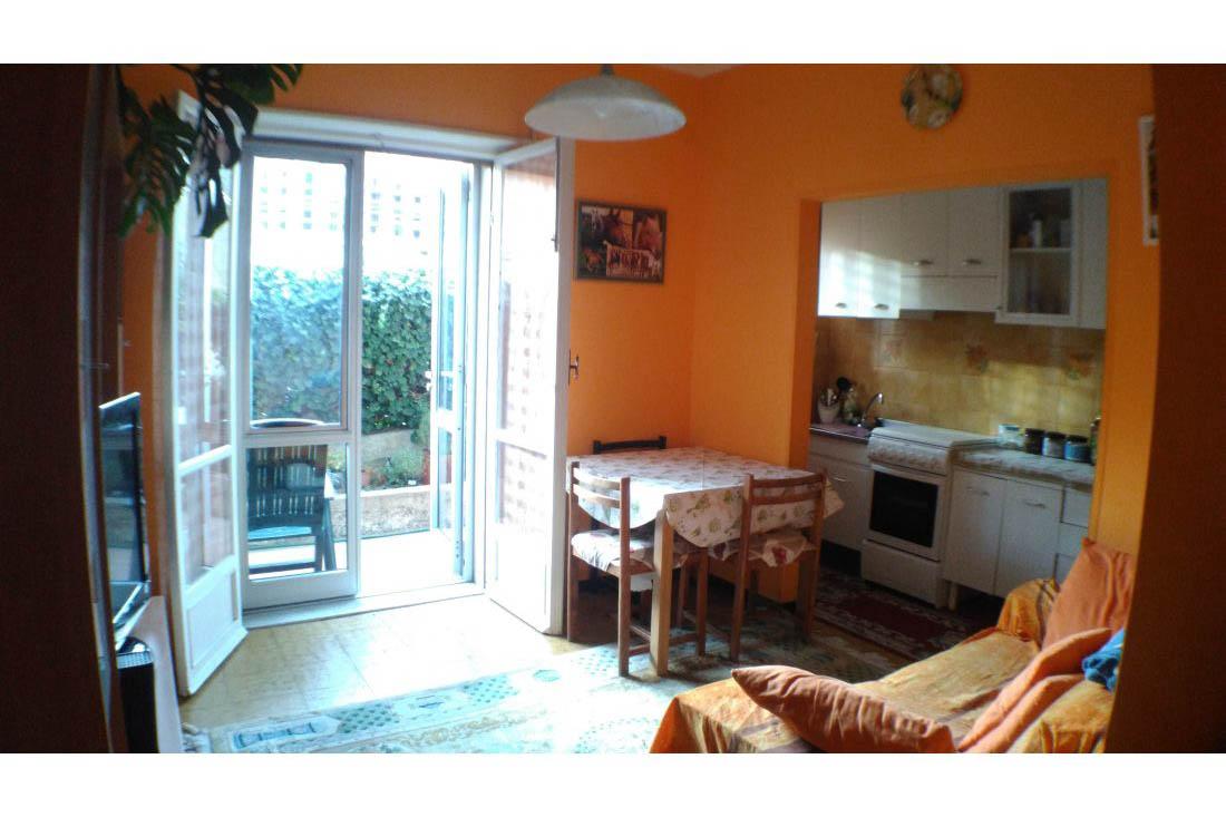 Sanremo vendita appartamento trilocale con giardinetto