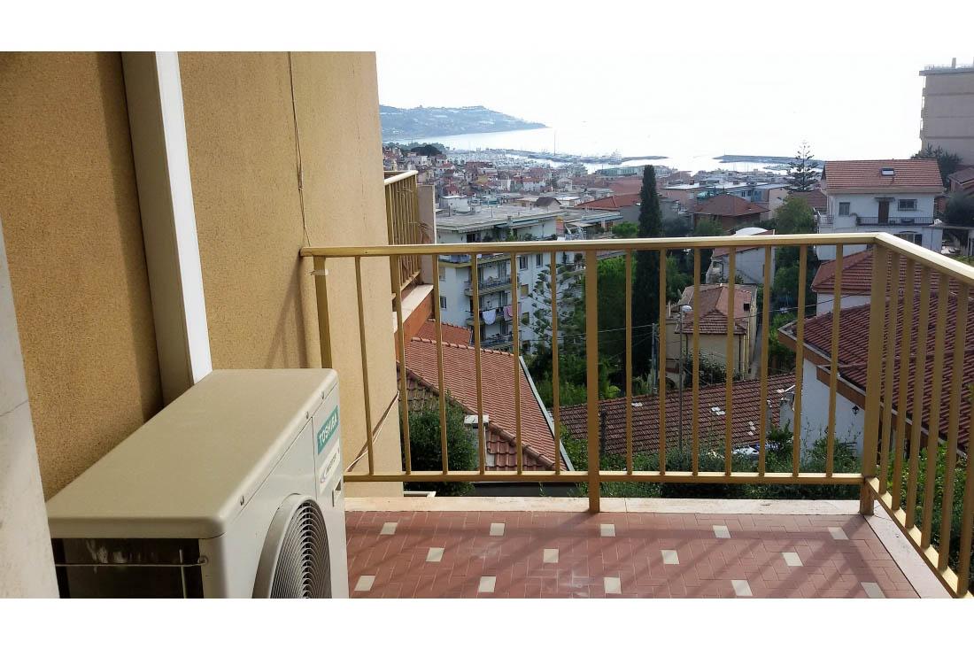 Sanremo vendita appartamento con vista panoramica