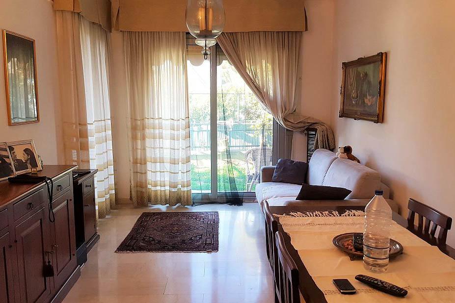 Sanremo vendita bilocale in zona residenziale con terrazzo e giardino