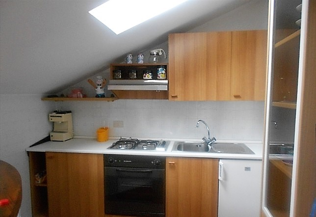 San Lorenzo vendita appartamento mansardato