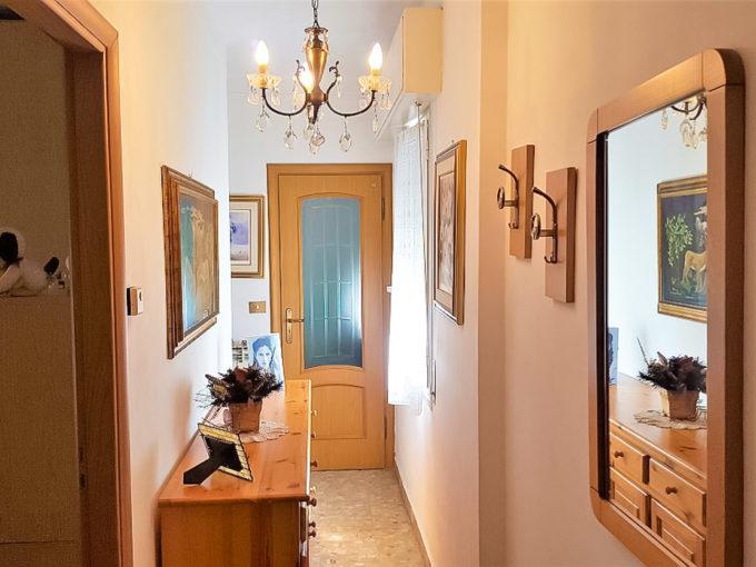 Sanremo , centro, bel bilocale in perfetto ordine con cantina.