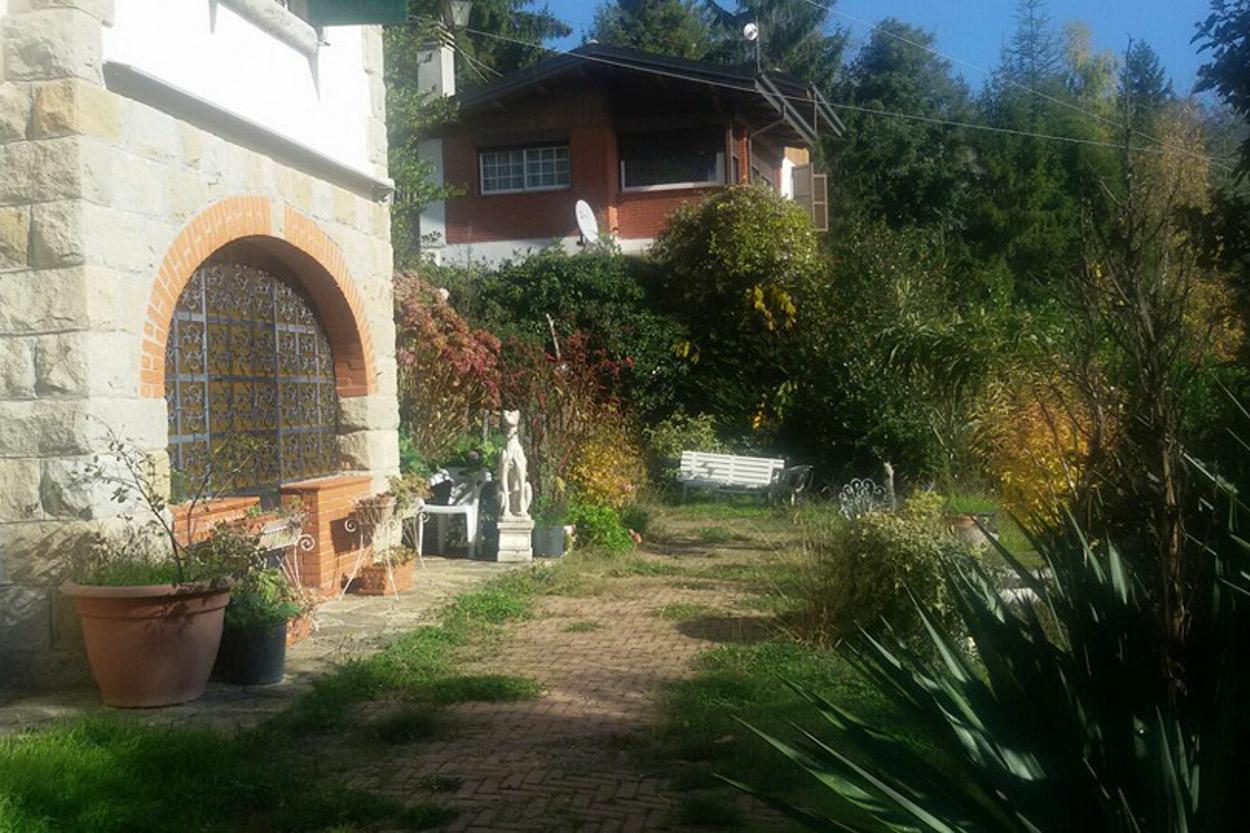 San Romolo di Sanremo vendita villa su due livelli con terreno