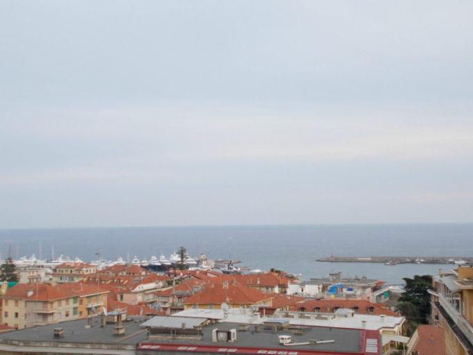 Sanremo: centro, vicinanze C.so Garibaldi:bilocale mansardato con meravigliosa vista mare panoramica