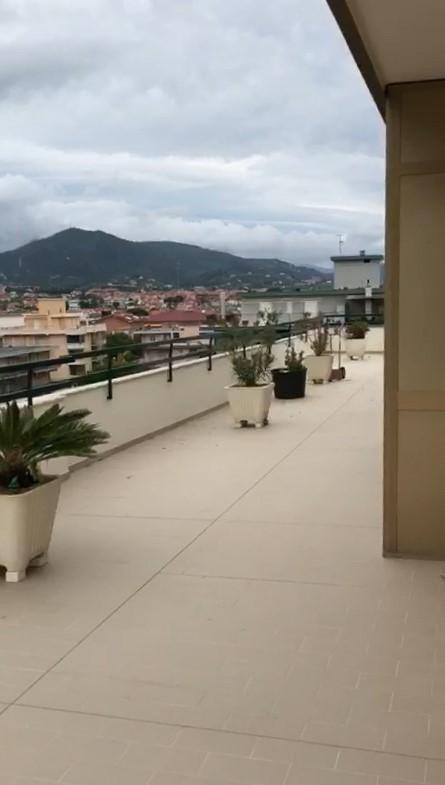 Borghetto Santo Spirito (SV) meraviglioso attico di 135 mq con 200mq di terrazza e 2 posti auto