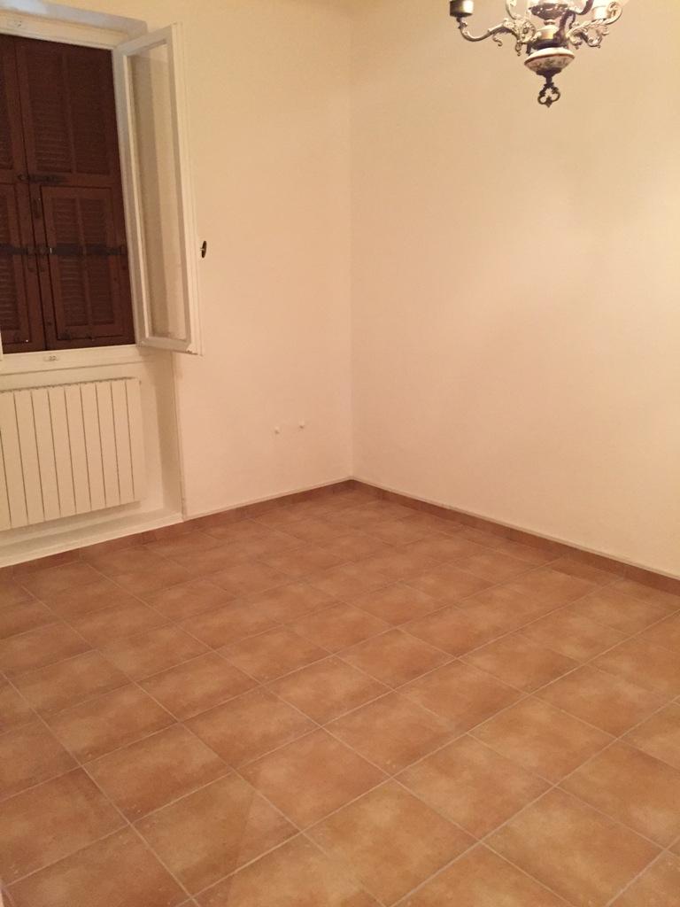 Sanremo, centralissimo, vicino al mare, appartamento con ingresso indipendente.