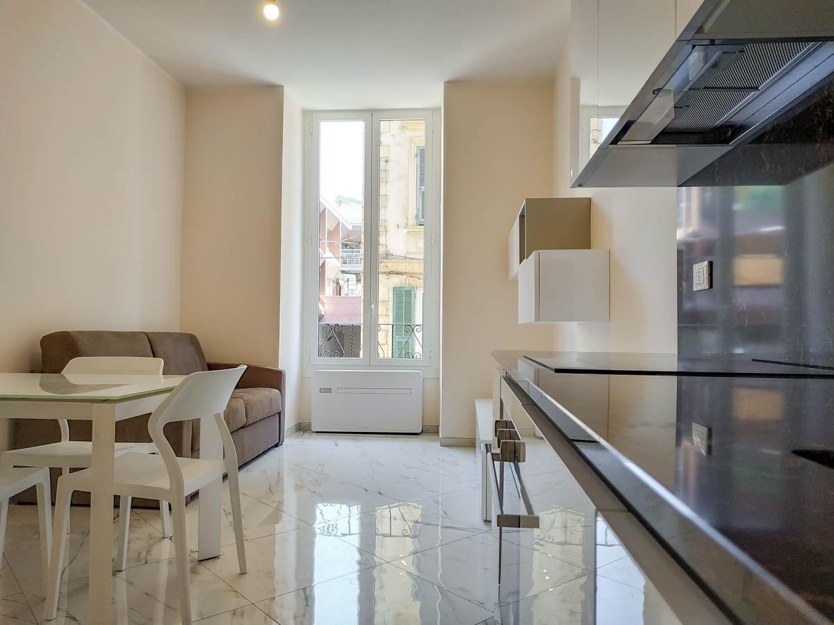 Sanremo, appartamento, centralissimo, ristrutturato ed arredato con gusto