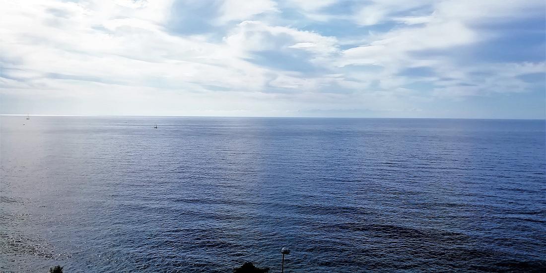 Sanremo, parte ovest, bilocale fronte mare con vista mare imprendibile