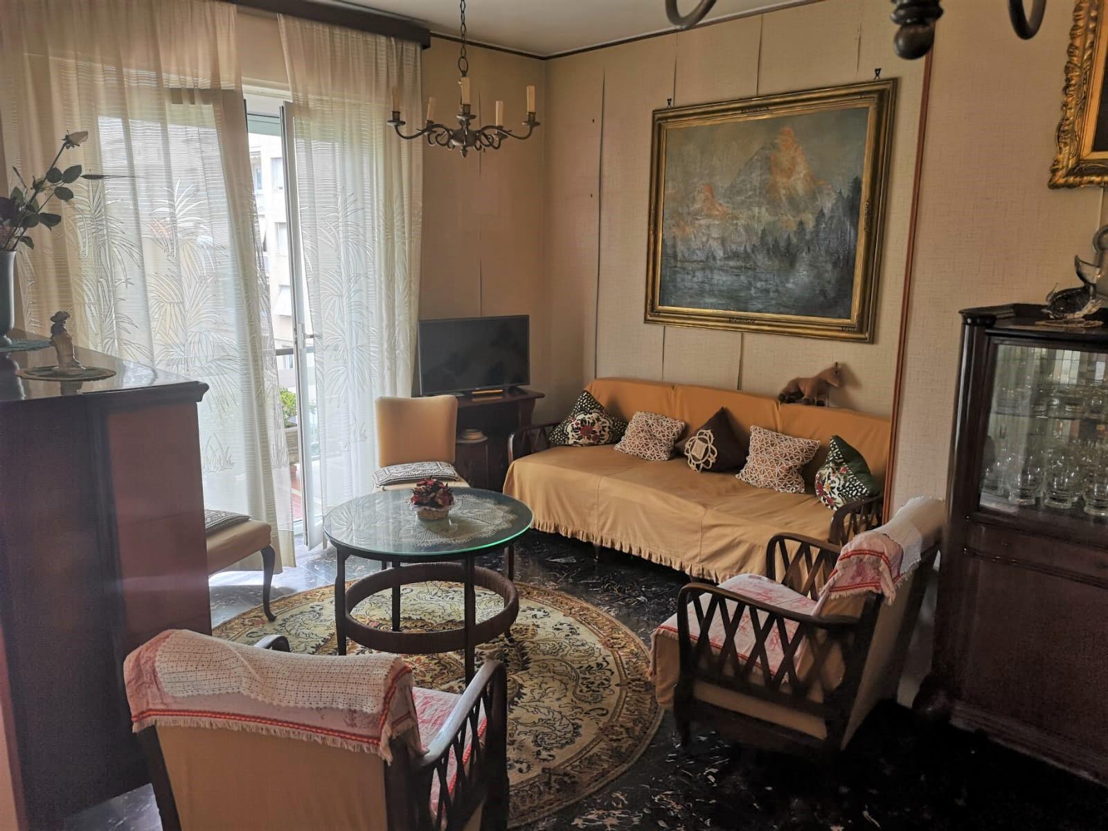 Sanremo, zona San Martino, ampio trilocale, ideale come prima casa