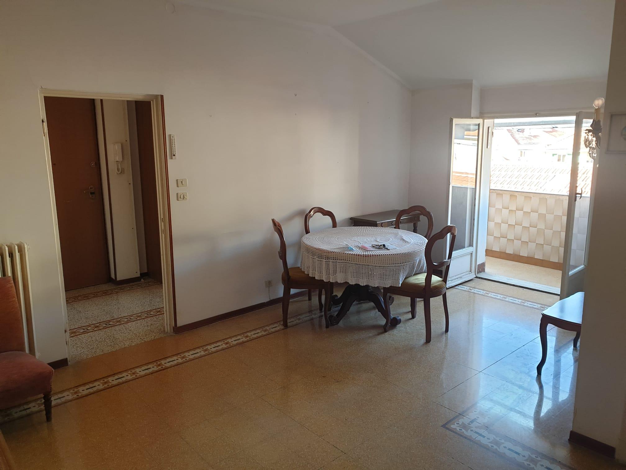 Sanremo, zona Morgana, centralissimo, fronte mare, appartamento con possibilità posto auto